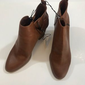Women's ankle boots NWT Size 11